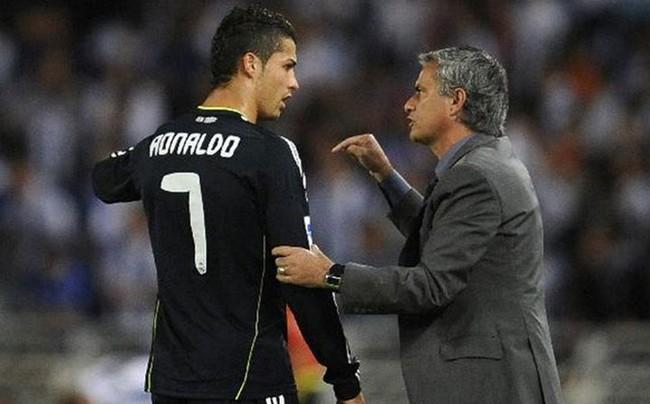 Mourinho từng 3 năm làm thầy Ronaldo ở Real Madrid. Ảnh: Sport