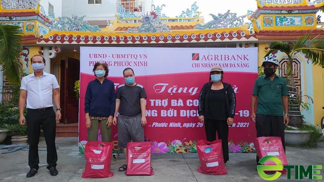 1.000 suất quà yêu thương được Agribank Nam Đà Nẵng trao tặng cho các gia đình khó khăn do Covid-19 - Ảnh 1.