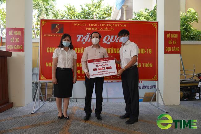 1.000 suất quà yêu thương được Agribank Nam Đà Nẵng trao tặng cho các gia đình khó khăn do Covid-19 - Ảnh 2.