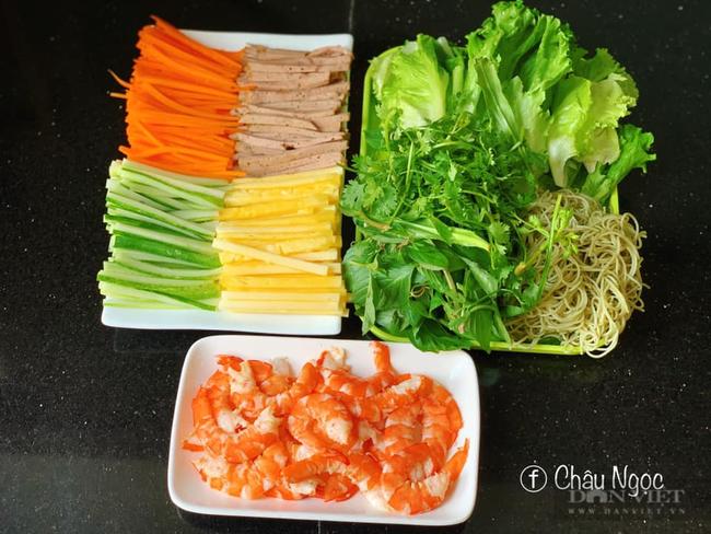Muốn làm món tôm cuốn rau củ ngon đẹp bắt mắt đừng bỏ qua bí quyết này - Ảnh 2.