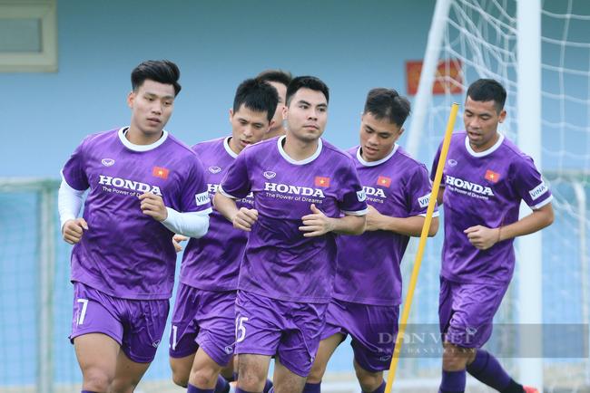 Văn Toàn và Tuấn Anh tập riêng trong buổi tập đầu tiên của đội tuyển - Ảnh 5.