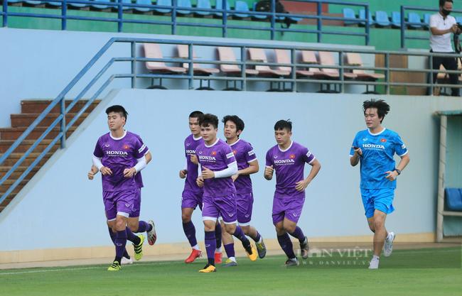 Văn Toàn và Tuấn Anh tập riêng trong buổi tập đầu tiên của đội tuyển - Ảnh 6.