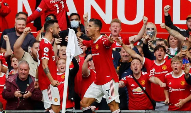 Chùm ảnh: Ronaldo ra mắt, M.U nhuộm đỏ thành Manchester - Ảnh 11.