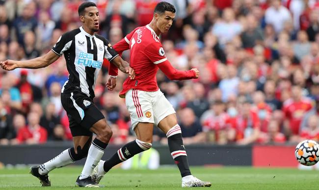 Chùm ảnh: Ronaldo ra mắt, M.U nhuộm đỏ thành Manchester - Ảnh 12.
