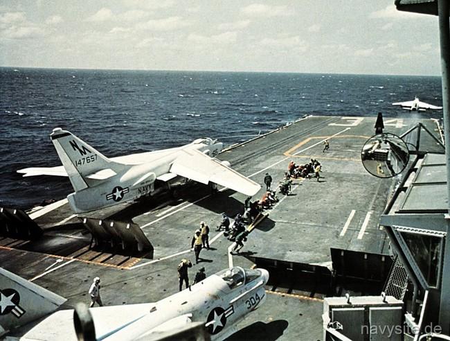 Báo Nga nhắc lại chiến tích Việt Nam bắn hạ máy bay John McCain - Ảnh 1.
