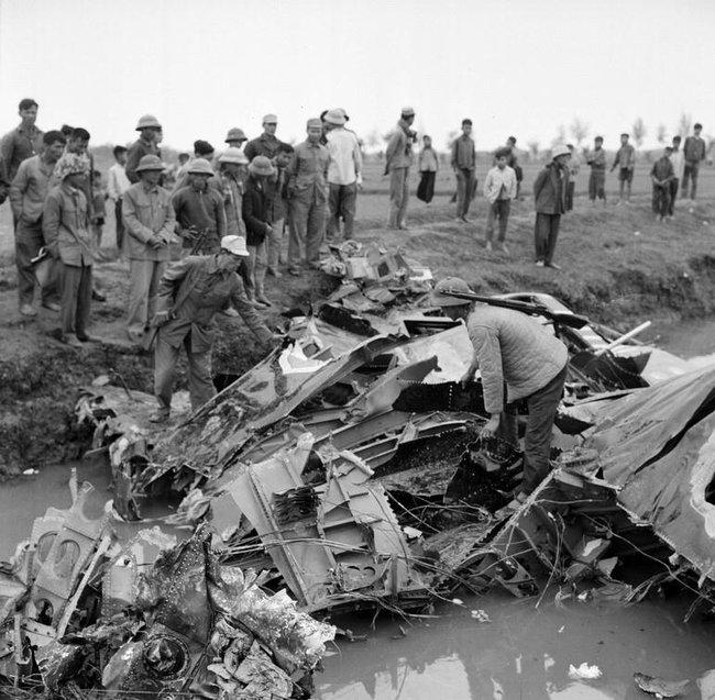Báo Nga nhắc lại chiến tích Việt Nam bắn hạ máy bay John McCain - Ảnh 11.