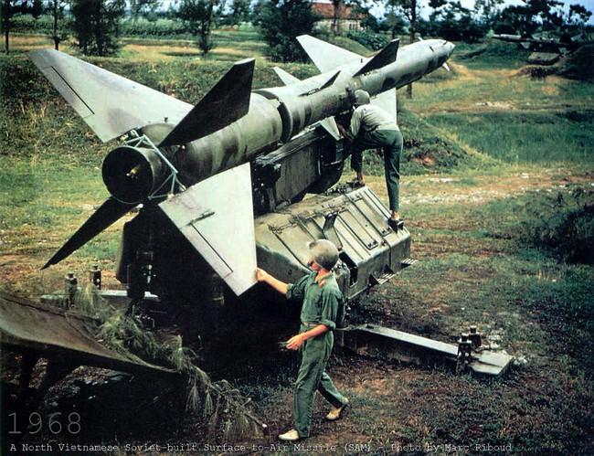 Báo Nga nhắc lại chiến tích Việt Nam bắn hạ máy bay John McCain - Ảnh 18.