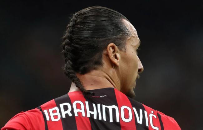Tái xuất với mái tóc dị, Ibrahimovic lập tức tỏa sáng - Ảnh 2.