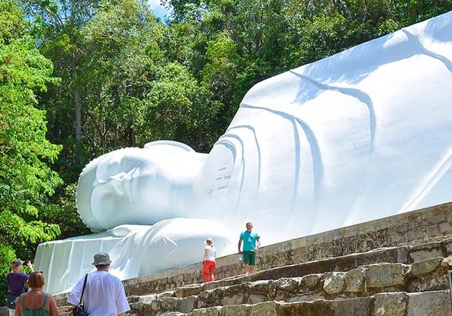 Bí ẩn tượng phật trên đỉnh Tà Cú (kỳ cuối): Điểm du lịch tâm linh níu chân du khách - Ảnh 1.