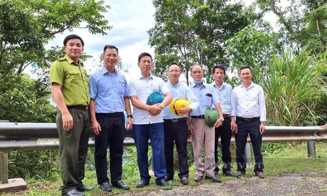 Quảng Bình: Linh mục Giáo xứ Bàu Sen kêu gọi chống dịch Covid-19 và bảo vệ môi trường - Ảnh 6.