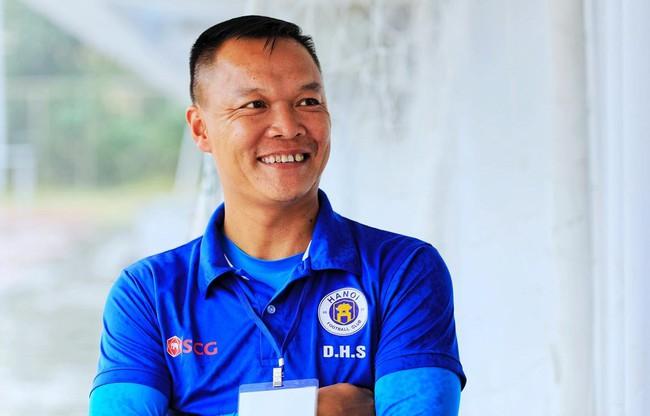 """Thủ môn Dương Hồng Sơn: """"Có nhà tài trợ mới, SLNA sẽ là ông lớn tại V.League"""" - Ảnh 1."""