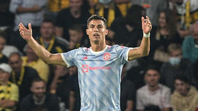 """M.U thua """"tí hon"""", Solskjaer lý giải quyết định khó hiểu với Ronaldo - Ảnh 1."""