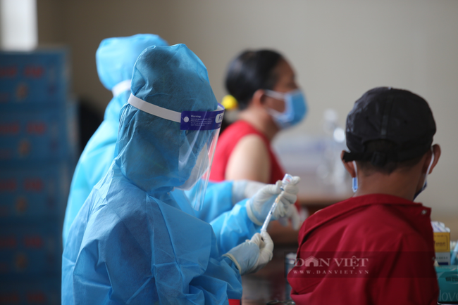 Nam thanh niên ở Bình Dương khai gian dối để được tiêm mũi 2 vaccine Pfizer - Ảnh 1.