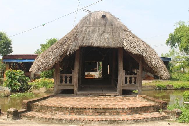 Thưởng lãm cầu lợp làng Kênh có tuổi thọ hàng trăm năm, 'độc nhất vô nhị' ở Việt Nam - Ảnh 2.