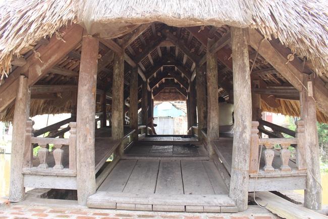 Thưởng lãm cầu lợp làng Kênh có tuổi thọ hàng trăm năm, 'độc nhất vô nhị' ở Việt Nam - Ảnh 7.