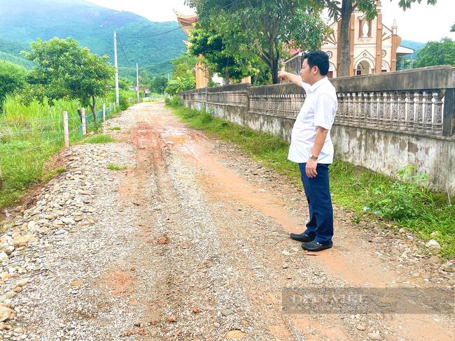 Quảng Bình: Giáo xứ Thủy Vực hiến đất, đập bỏ tường rào xây dựng nông thôn mới - Ảnh 3.