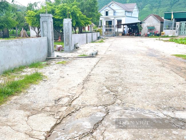 Quảng Bình: Giáo xứ Thủy Vực hiến đất, đập bỏ tường rào xây dựng nông thôn mới - Ảnh 4.