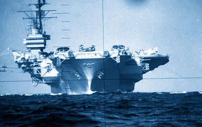 Kinh hoàng những vụ tàu ngầm Liên Xô đâm vào tàu sân bay Mỹ - Ảnh 9.