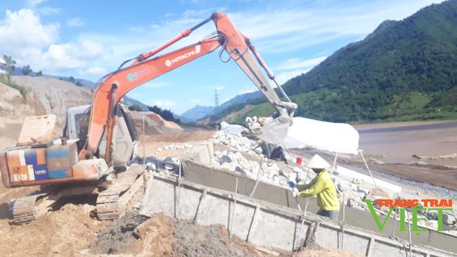 Nậm Nhùn quan tâm xây dựng hạ tầng thiết yếu phục vụ xây dựng NTM - Ảnh 2.