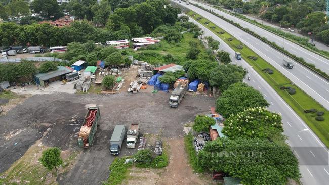 """Quận Hoàng Mai, Hà Nội: Nhan nhản điểm giao nhận hàng hoá """"chui"""", tiềm ẩn nguy cơ lây lan Covid-19 - Ảnh 6."""