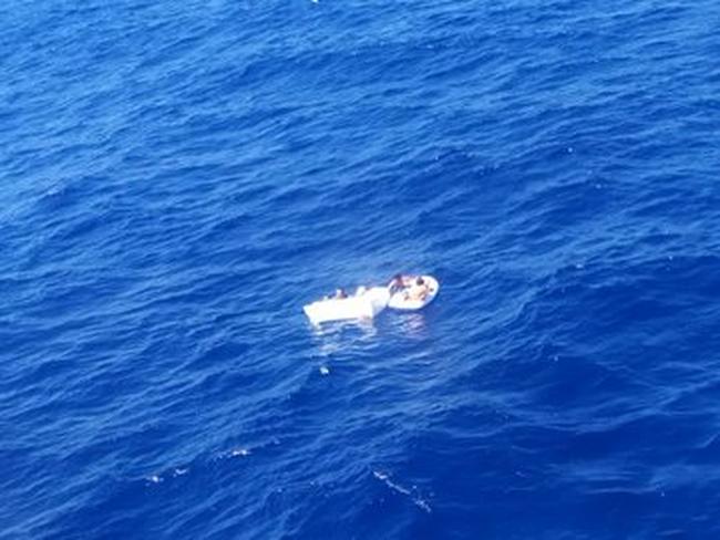 Chuyện cảm động về vụ đắm tàu, người mẹ vĩ đại hy sinh mạng sống để cứu mạng 2 con - Ảnh 1.