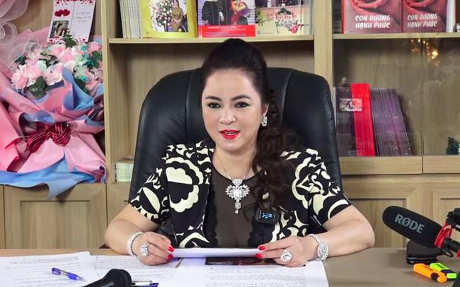 Bà Nguyễn Phương Hằng nói đã sẵn sàng hầu tòa nếu Thủy Tiên – Công Vinh kiện - Ảnh 3.