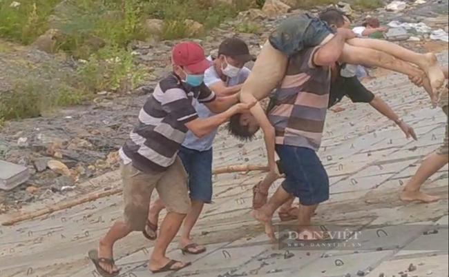 Quảng Ngãi:Thương tâm vụ 4 người đi bắt ốc, hến bị đuối nước, 3 người tử vong