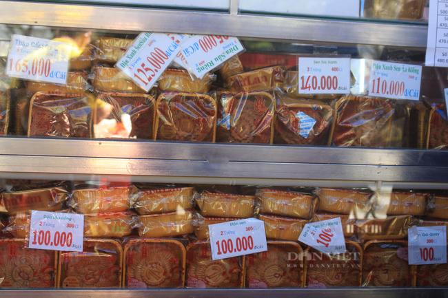 Shipper Sài Gòn nhận đơn 600 bánh Trung thu - Ảnh 7.