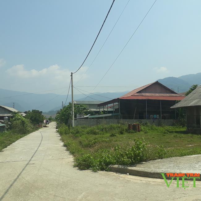 Lai Châu: Nông dân vùng khó chung tay xây dựng nông thôn mới - Ảnh 2.