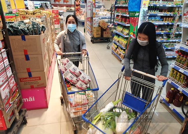 """Đi chợ, siêu thị tại TP.HCM phải có """"thẻ xanh Covid"""" - Ảnh 1."""