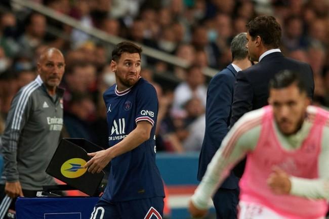 Messi từ chối bắt tay HLV Pochettino, PSG có biến cực căng? - Ảnh 1.