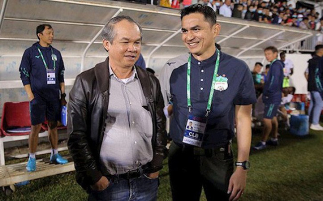 Thái Lan gửi đề nghị 8,4 tỷ đồng cho HLV Kiatisak, bầu Đức trả lời - Ảnh 1.