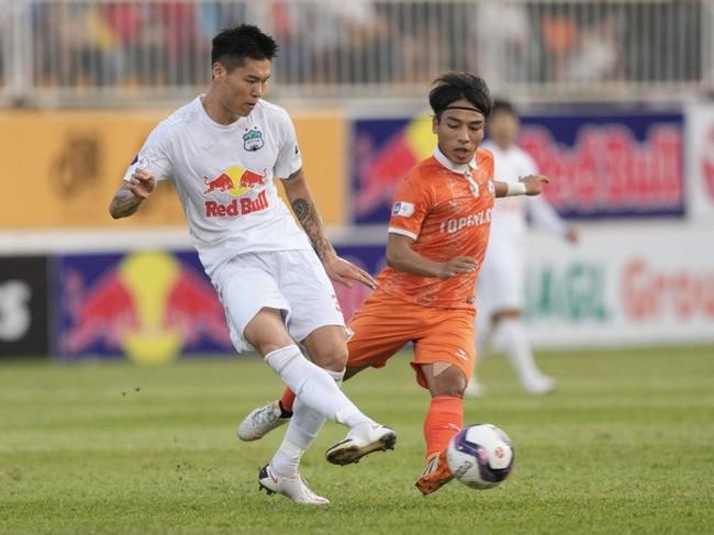 HAGL chia tay trung vệ Hàn Quốc cao 1m90 vì lý do bất khả kháng - Ảnh 1.