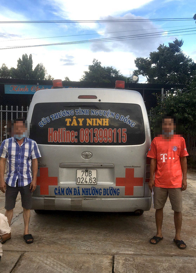 Ký cam kết không dừng đỗ, tài xế xe cứu thương vẫn chở F0 vào tỉnh Gia Lai - Ảnh 1.