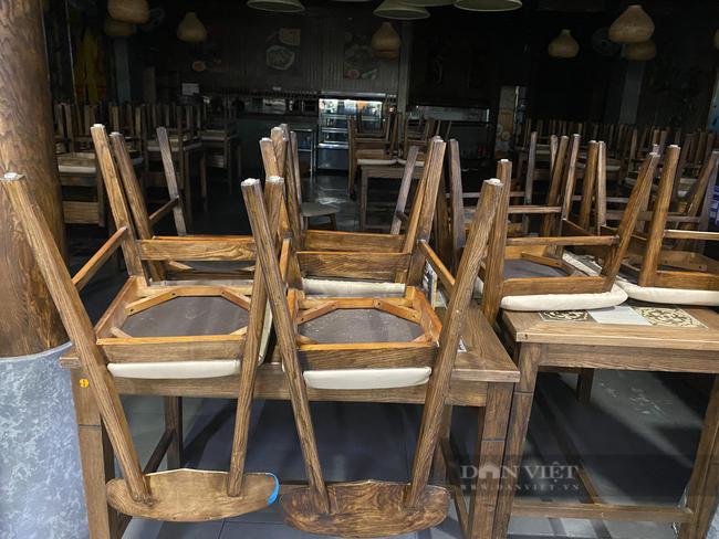 """Hà Nội: Trung tâm thương mại """"đìu hiu"""" trong ngày đầu được mở cửa trở lại - Ảnh 4."""