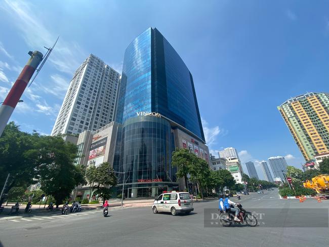"""Hà Nội: Trung tâm thương mại """"đìu hiu"""" trong ngày đầu được mở cửa trở lại - Ảnh 7."""