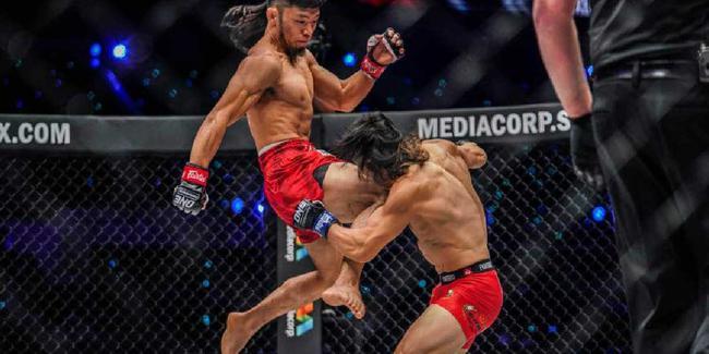 """Võ sĩ MMA Trung Quốc """"chơi bẩn"""" 3 lần, vẫn bị đánh sấp mặt - Ảnh 1."""