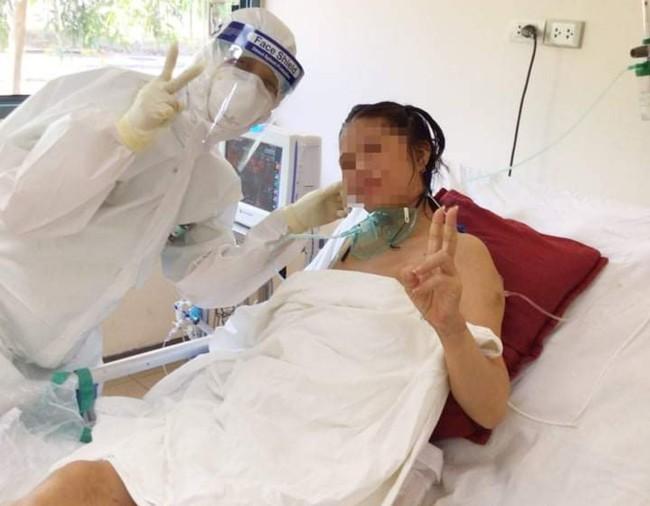 TT-Huế: Hành trình kỳ diệu cứu sống mẹ con sản phụ mắc Covid-19 nguy kịch  - Ảnh 3.