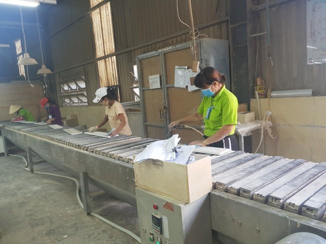 Ưu tiên vaccine cho công nhân ngành chế biến gỗ  - Ảnh 1.