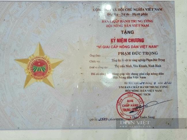 ninh-binh-nong-dan-viet-nam-xuat-sac-2021-giup-nong-dan-mua-phan-bon-chat-luong-tranh-phan-bon-gia