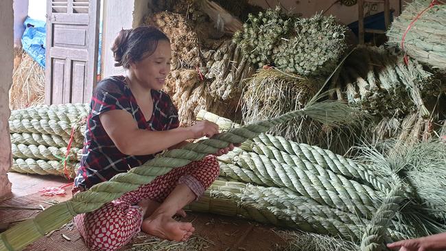 Ninh Bình: Đưa rơm khô xuất ngoại, nông dân ở đây có thêm thu nhập khá - Ảnh 5.