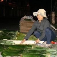 Độc đáo chợ lá duy nhất ở trung tâm Sài Gòn