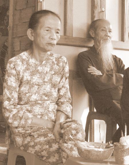 Bà lão thất thập và ông cụ trăm tuổi nương nhau sống gần nửa thế kỷ