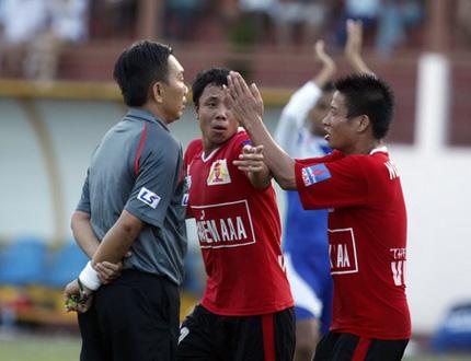 Trọng tài Bùi Thành Thanh Nghĩa không vượt qua được kiểm tra thể lực
