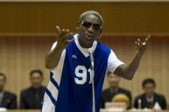 Cựu ngôi sao bóng rổ Mỹ Dennis Rodman hát chúc mừng sinh nhật Chủ tịch Kim Jong Un