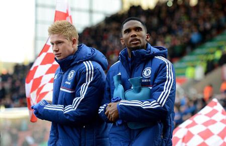 Samuel Eto'o là cầu thủ nước ngoài giàu nhất Premier League