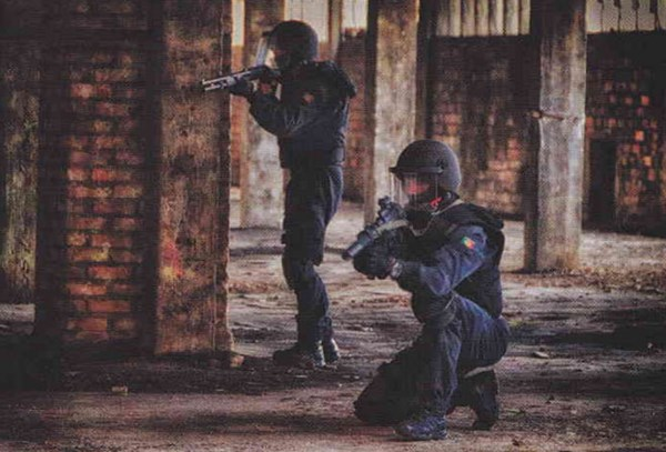 Lần đầu tiên lực lượng đặc nhiệm GOE lộ diện là vào năm 1983.