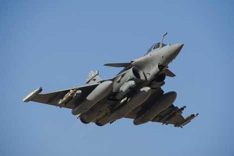 Tiêm kích đa năng Rafale của Pháp là một trong những chiến đấu cơ đắt nhất thế giới hiện nay, với giá khoảng 90-100 triệu USD/chiếc.
