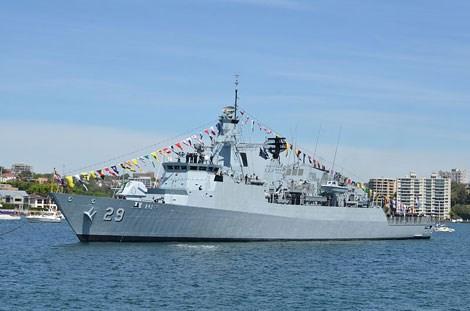 Tàu hộ vệ tên lửa KD Jebat.