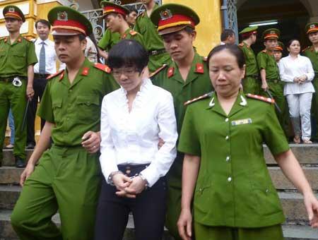 Bị cáo Huỳnh Thị Huyền Như sau phiên xử ngày 22.1